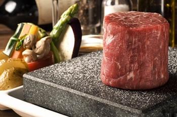 стоун гриль 400град,вулканический камень для жарки мяса,рыбы,овощей,жар,лавовый,гриль,вулкан,лава,хорека,ресторан,гостиница,кафе,бар,stone grill,horeca,меню,повар,банкет,фуршет,кухня,Volcanic Stonegrill,каменный,оборудование для
